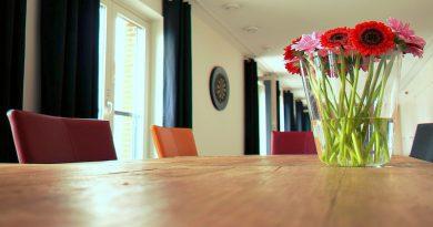 Jak zvrátit nudu u jídelního stolu? Ozobte stůl a oslaďte si život batáty